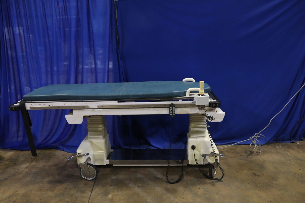 US IMAGING TABLES 9684MD4 Exam Table