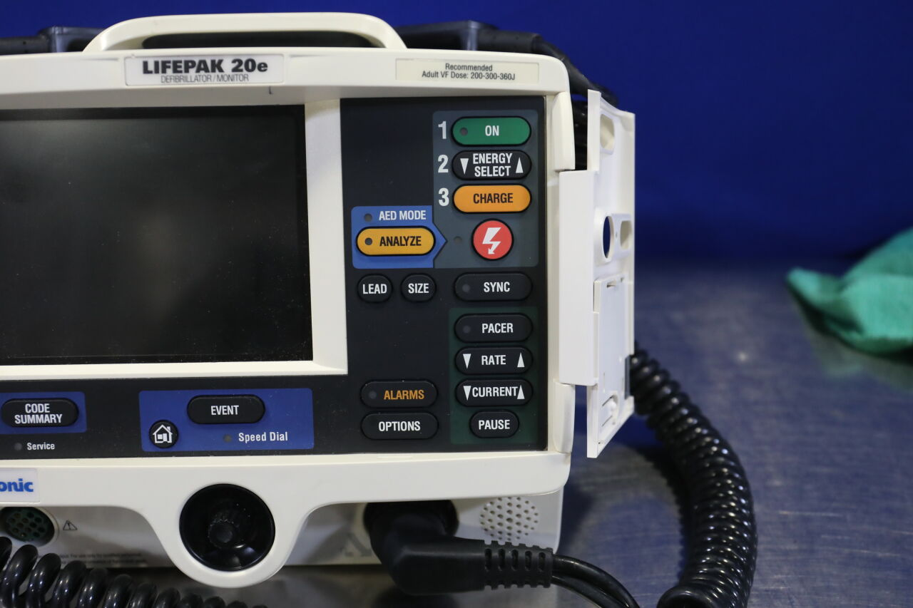 MEDTRONIC Lifepak 20E Defibrillator
