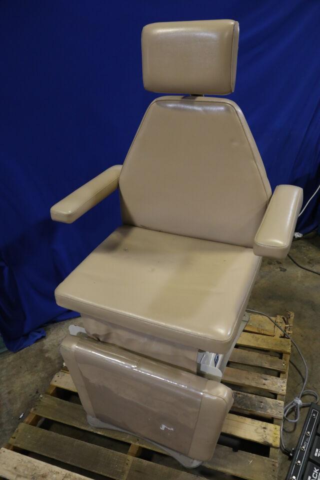 MTI 530H-115 Exam Chair