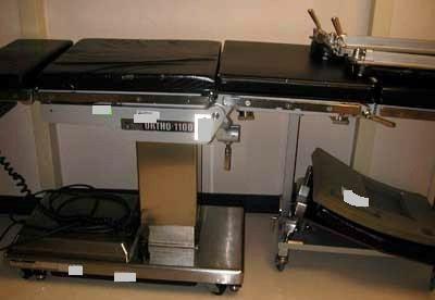 SKYTRON 1100 Orthopedic Table