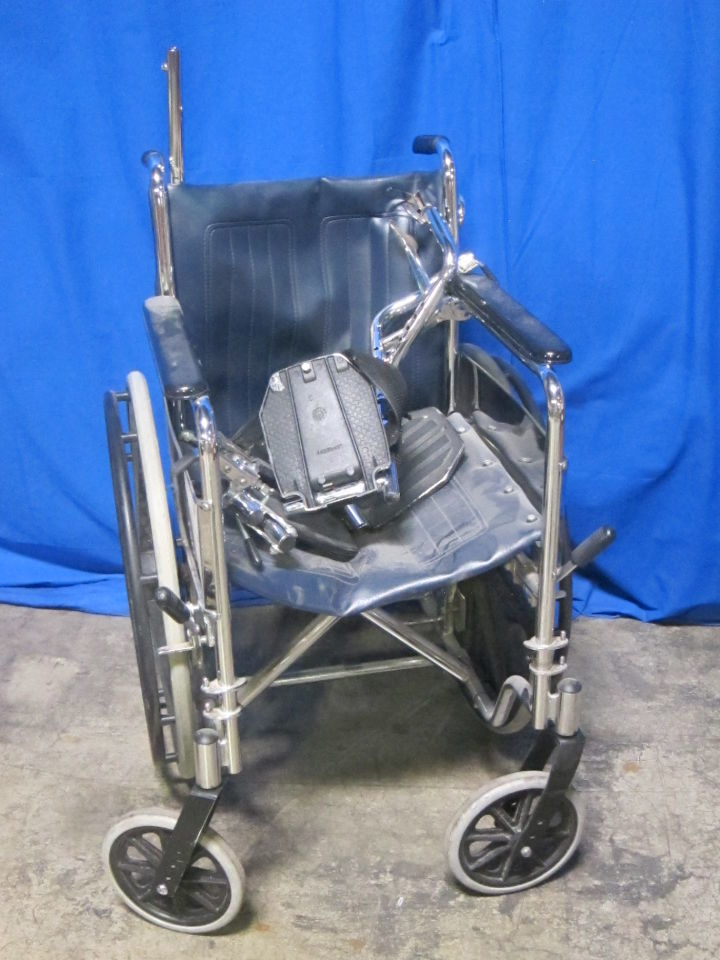 GENDRON   - Lot of 3 Wheelchair