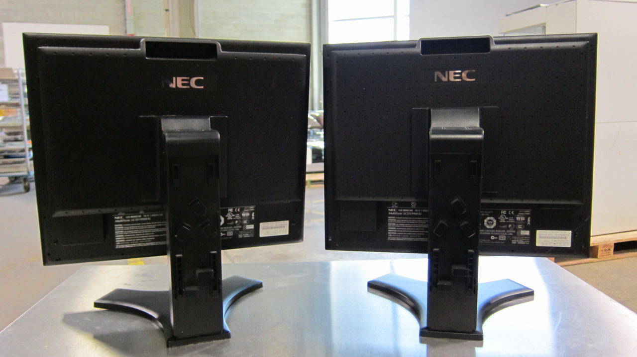 NEC LCD Flat screen  - Lot of 13 Display Monitor