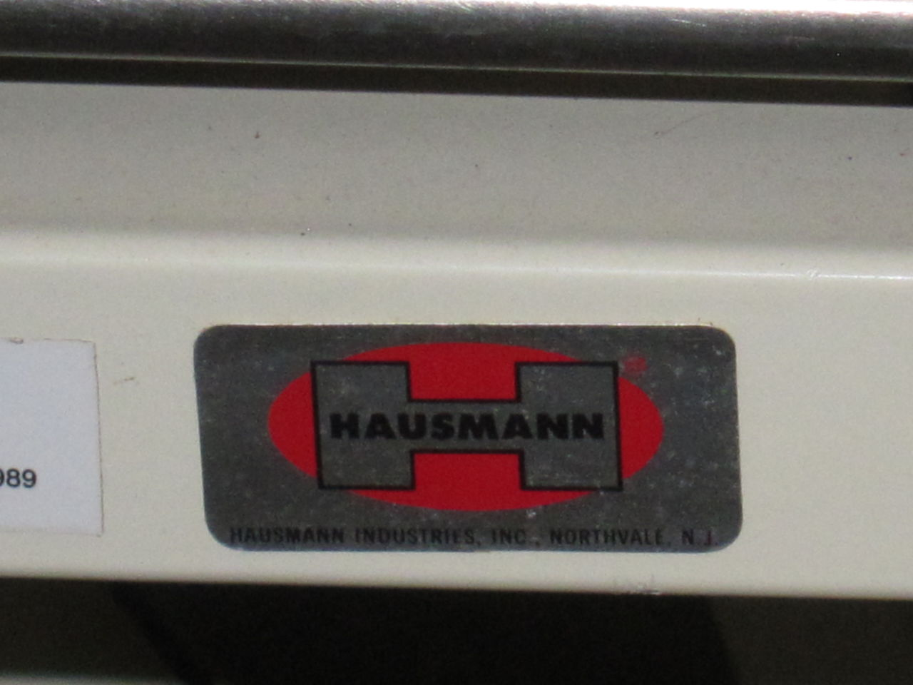 HAUSMANN INDUSTRIES Patient Bed Stretcher