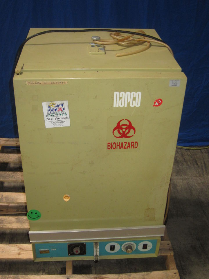 NAPCO Model 322 Incubator