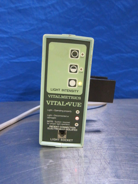 VITALMETRICS Vital-Vue 700 Light Source