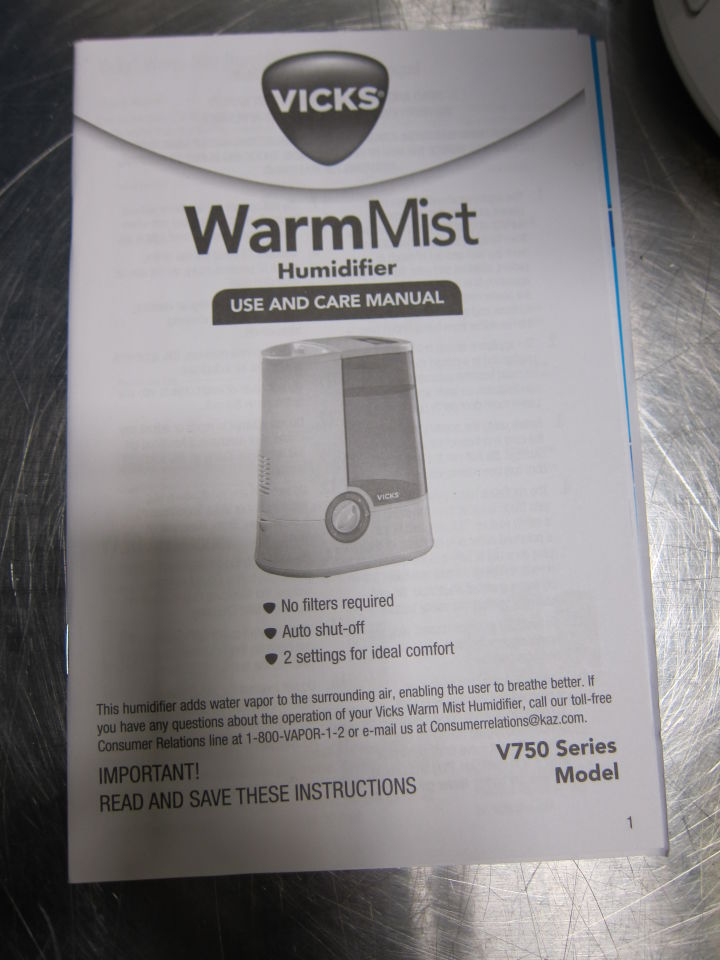 VICKS V750 Series  - Lot of 2 Humidifier