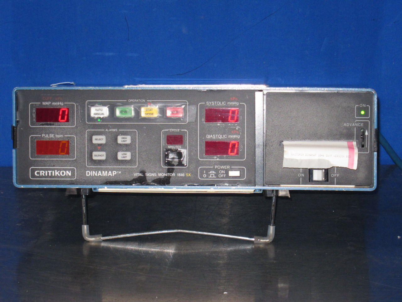 CRITIKON Dinamap Monitor
