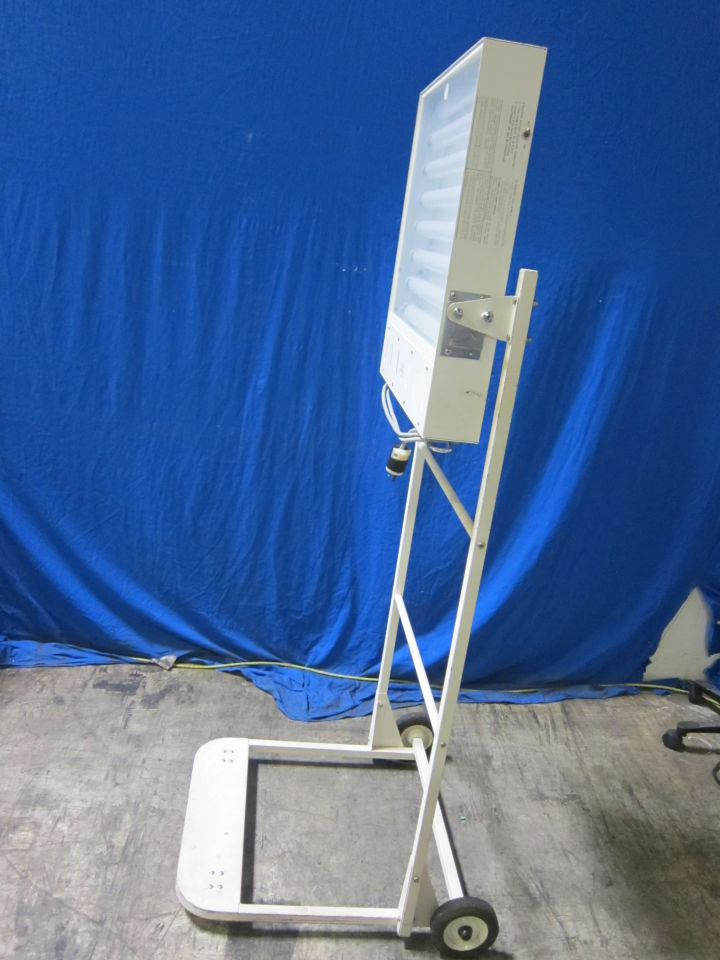 AIR-SHIELDS PT-53-3 Rolling Phototherapy Lamp