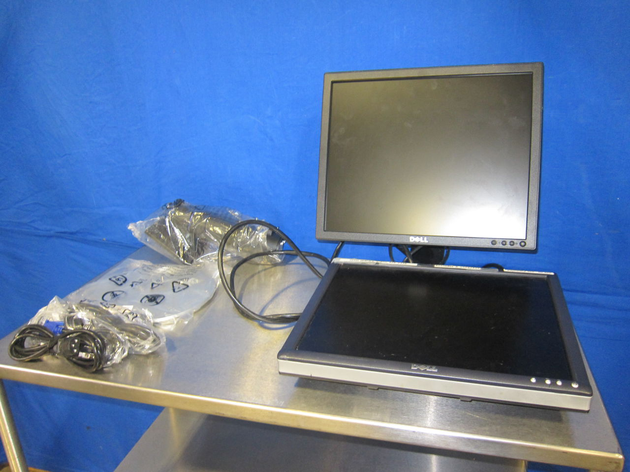 DELL E170SC-1704FPT+  - Lot of 2 Display Monitor
