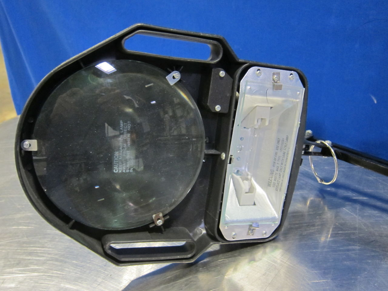BK-29-634 Wall/Desk Mountable Lamp