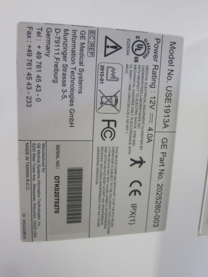 GE USE1913A Display Monitor