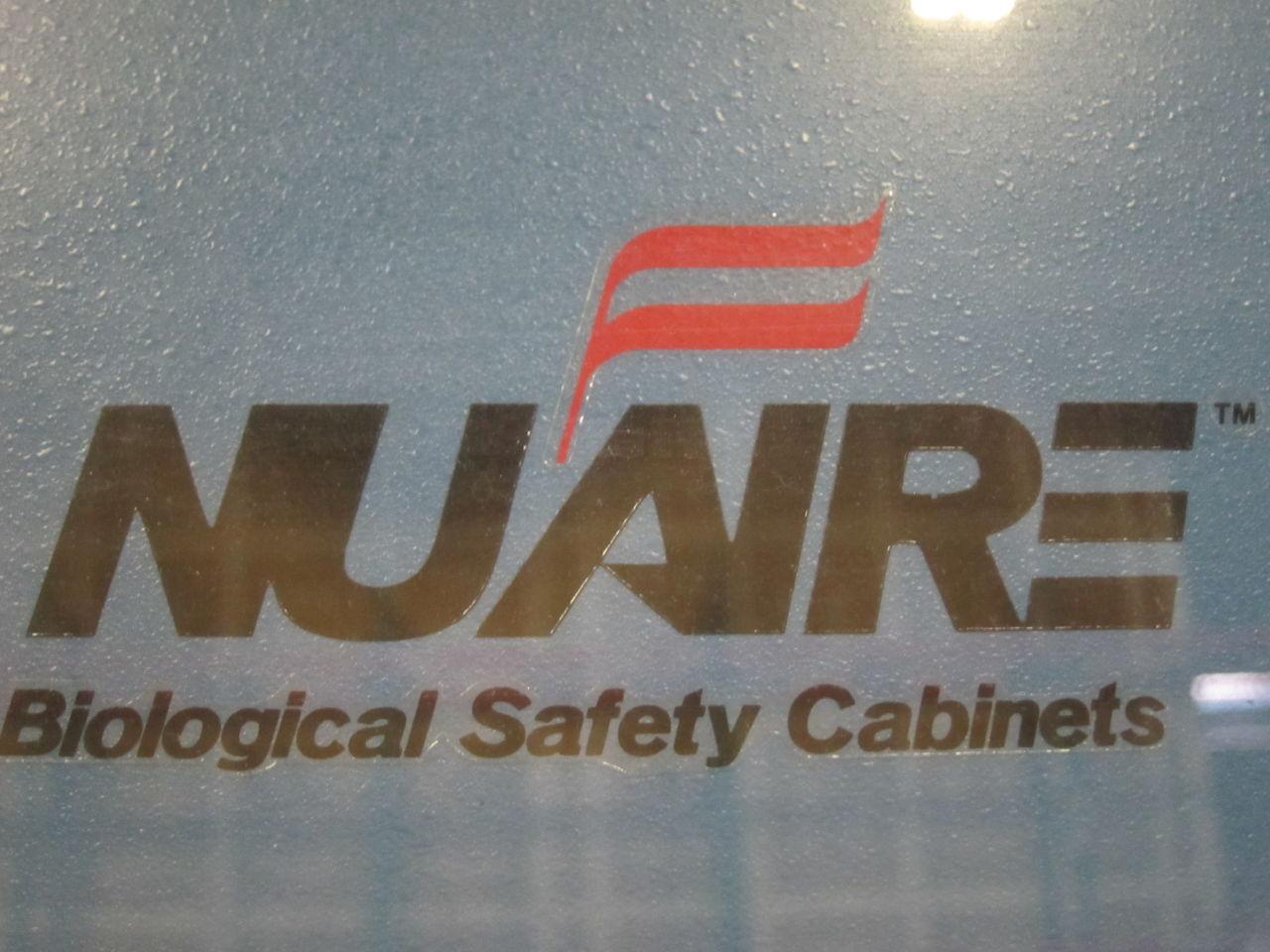 NUAIRE NU-425-400 Fume/Bio Safety Hood
