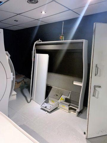 PHILIPS Intera 1.0T MRI Scanner