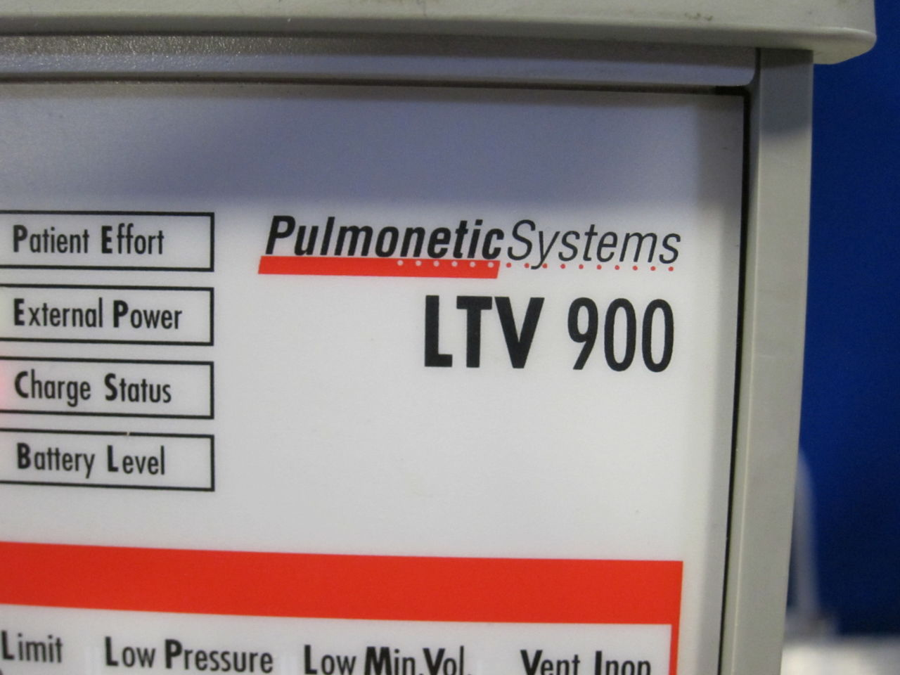 PULMONETIC SYSTEMS LTV 900 Ventilator