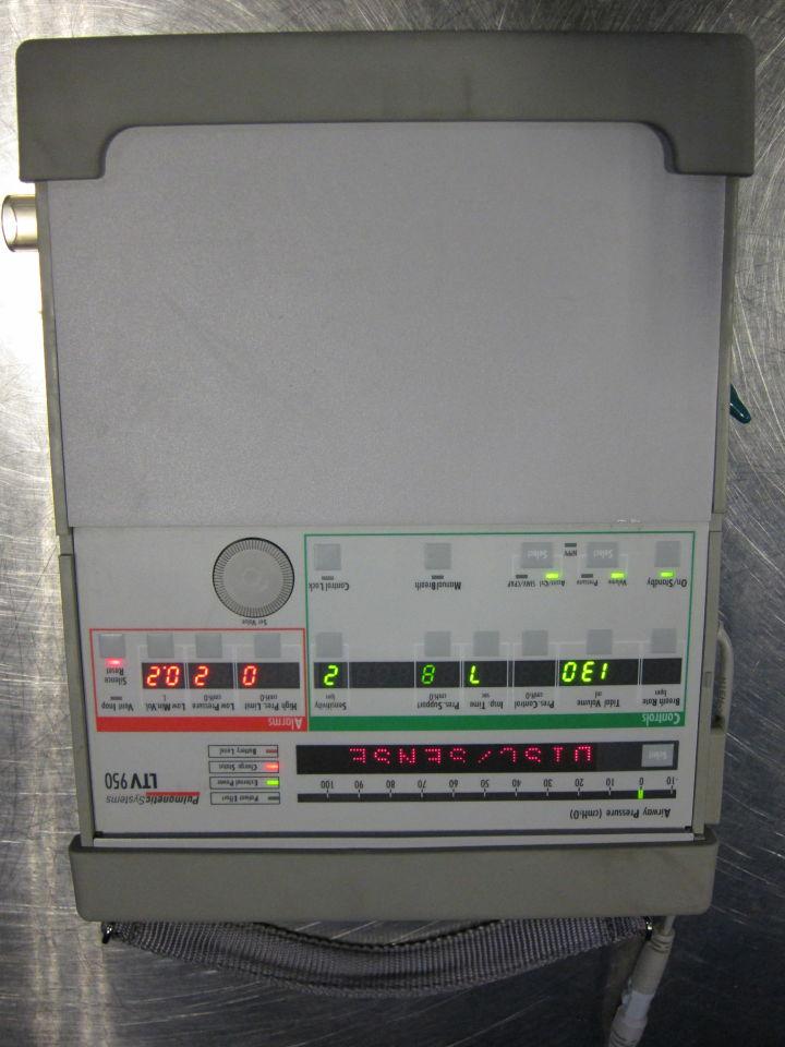 PULMONETIC SYSTEMS LTV 950 Ventilator