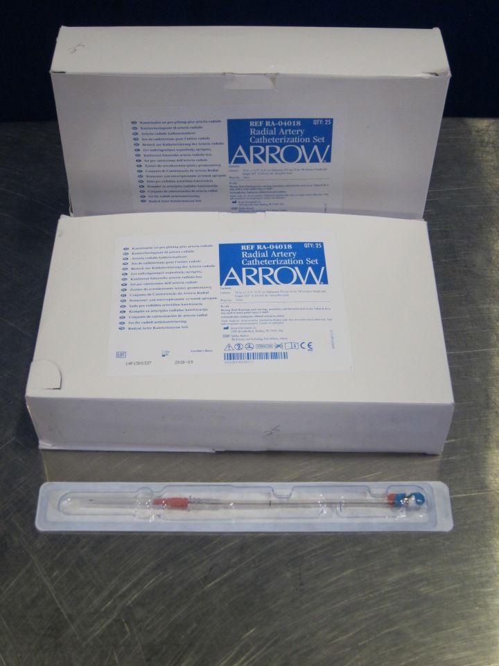 ARROW RA-04018 Radial Artery Catheterization Sets