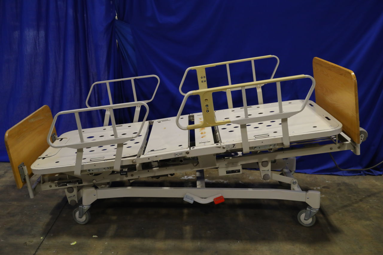 HILL ROM 8200 Beds Electric
