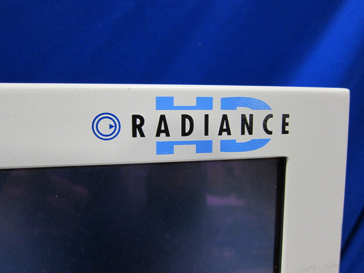 NDS Radiance SC-WX32-AU55 Display Monitor