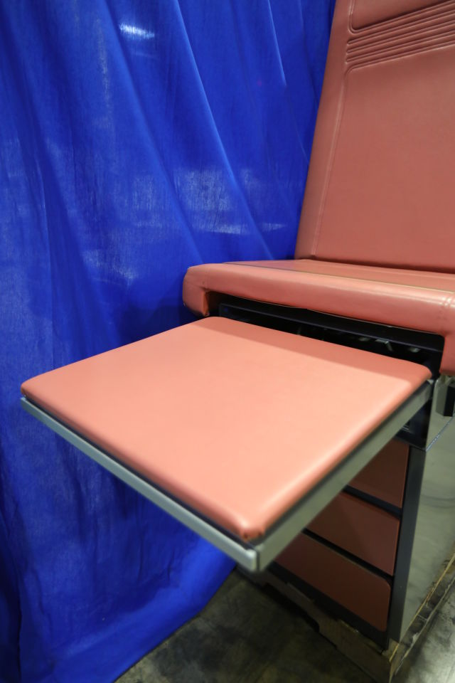 MIDMARK 100-024 Exam Table