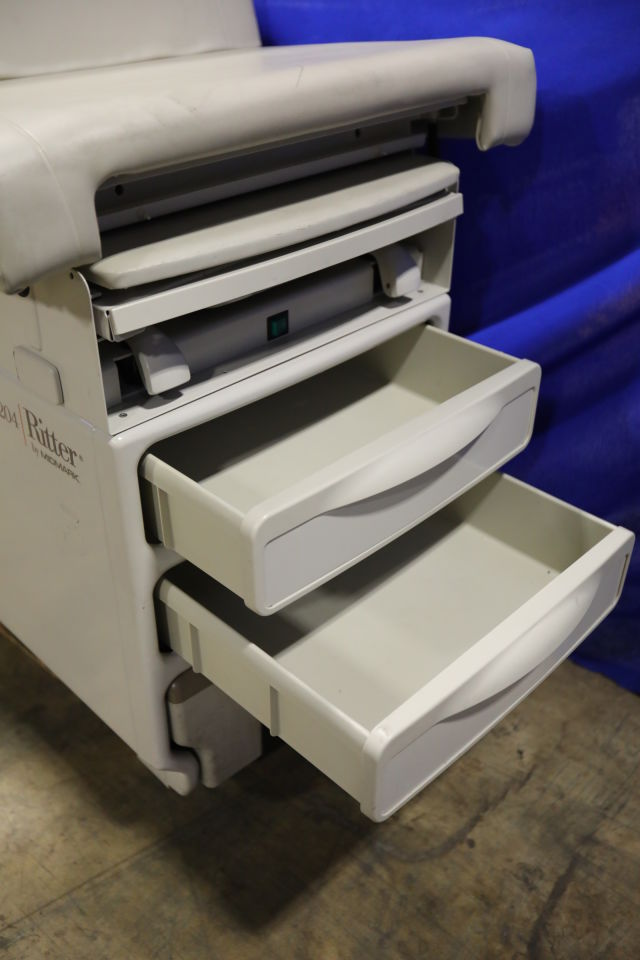 MIDMARK 204-002 Exam Table