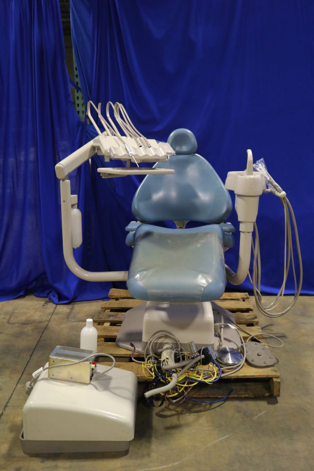 ADEC 1040 Dental Chair