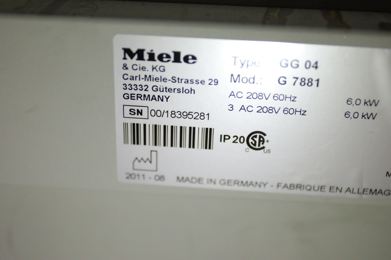 MIELE G7881 Sterilizer Washer / Disinfector