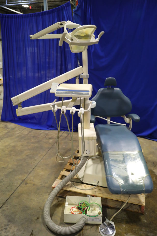 DENTALEZ AS3000 Dental Chair