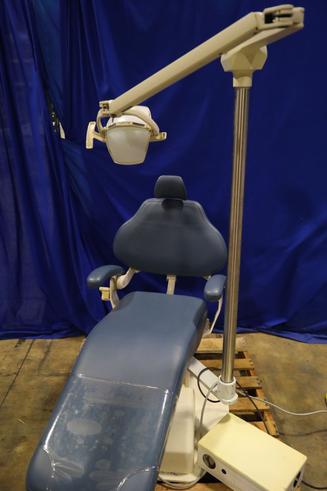 DENTALEZ  Dental Chair