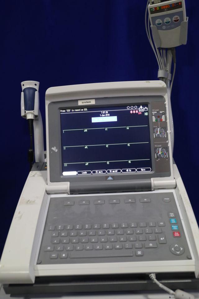 GE Mac 5500 HD ECG unit