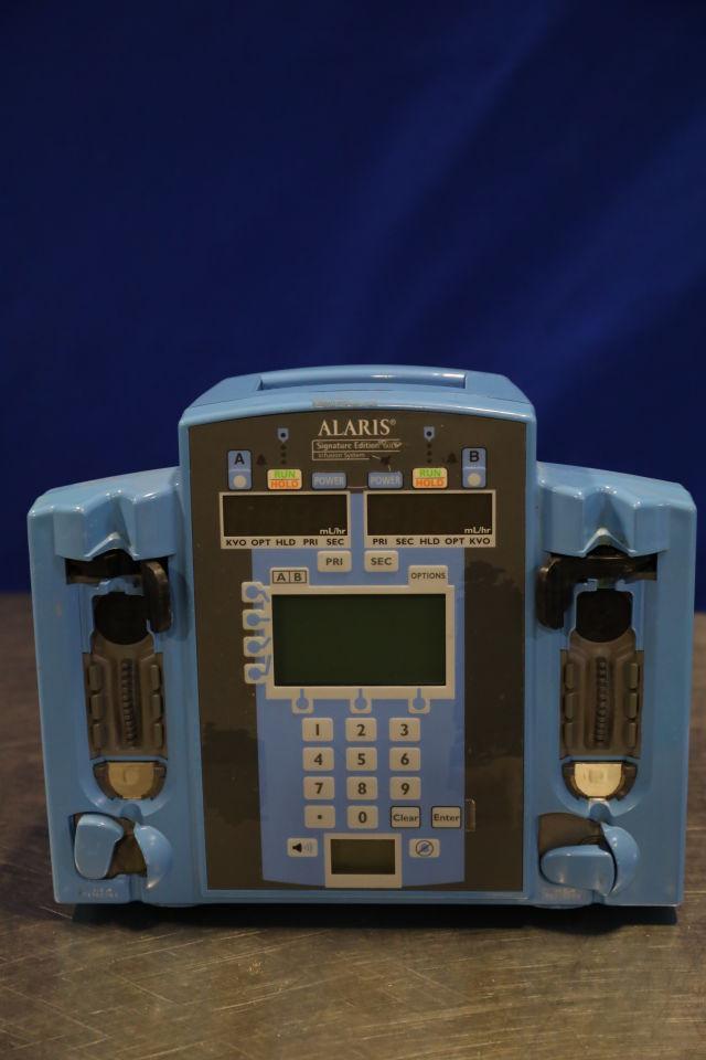 ALARIS Signature Edition Gold  - Lot of 11 Pump IV Infusion