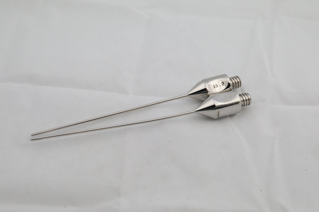 Various Surgical Tools w/ Handle