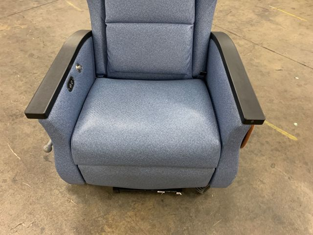 Nemschoff Serenity III Treatment Model 79112 Chair Dialysis Chair