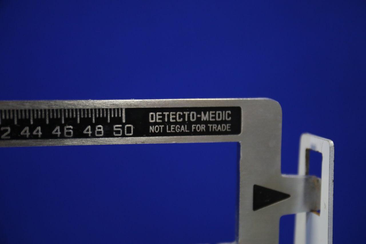 DETECTO-MEDIC  Scale