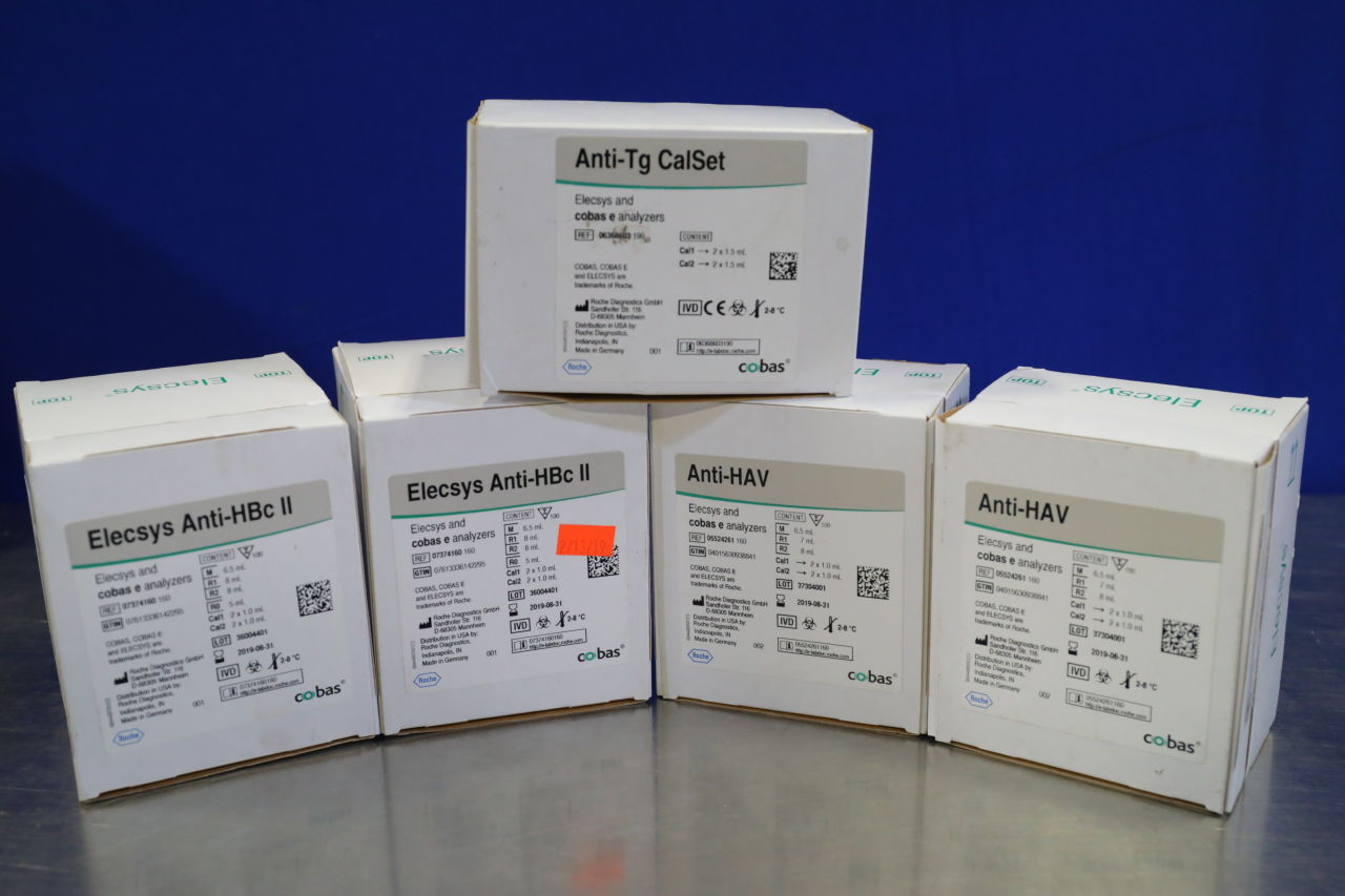 COBAS / ROCHE Various Reagents + Calset