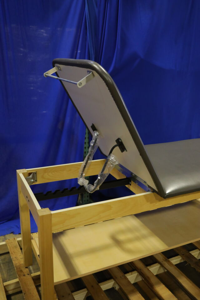 CLINTON INDUSTRIES 1010 Exam Table