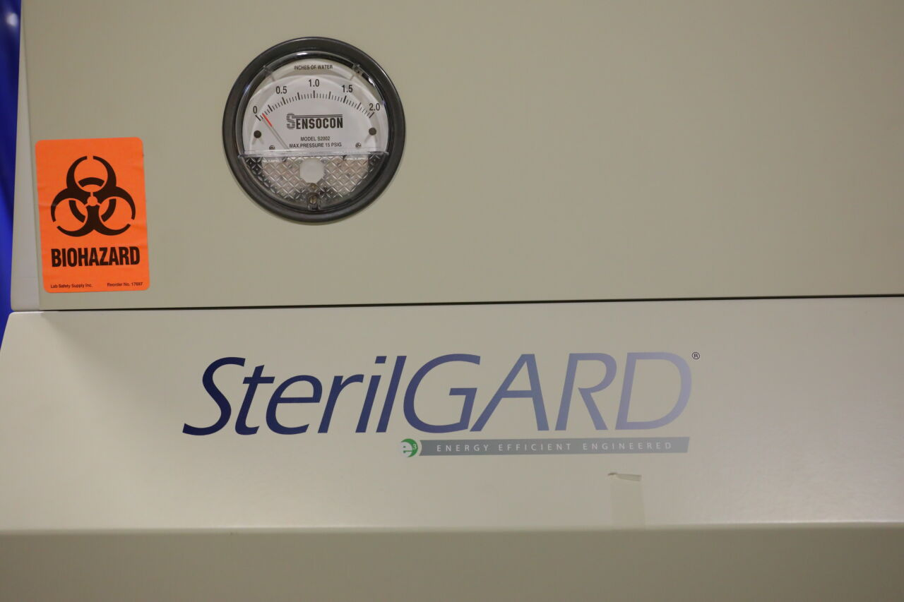 THE BAKER COMPANY Class II Sterilgard Fume/Bio Safety Hood