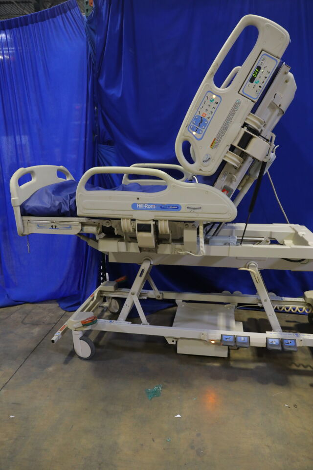 HILL-ROM Versacare P3200 Beds Electric