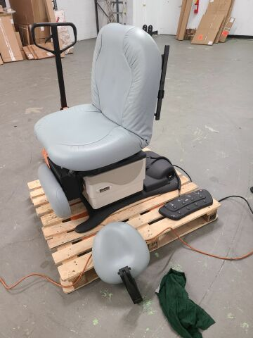 MIDMARK Midmark 630 Exam Chair