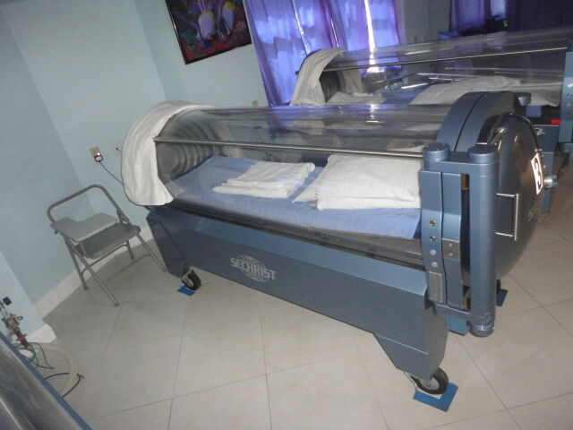 SECHRIST 2500 Hyperbaric Chamber