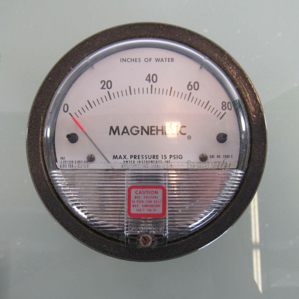 DWYER 2000-80CM Magnehelic Pressure Gauge  Pressure Tester