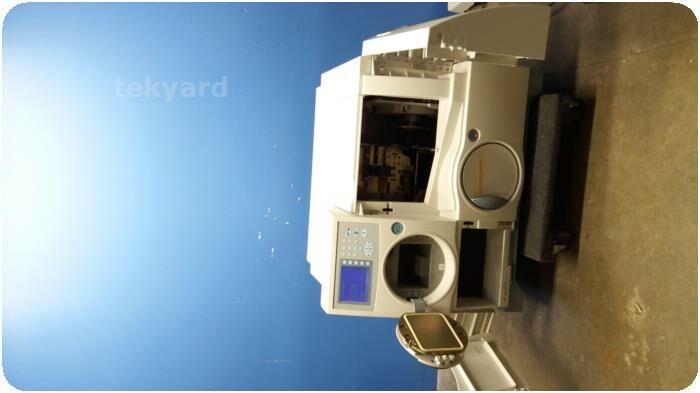 BIOMERIEUX Vitek 2 Compact Bacterial Identification System