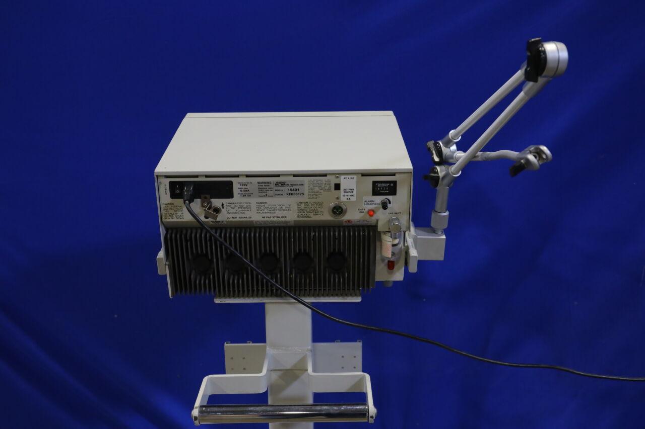 BIRD 8400STI Ventilator