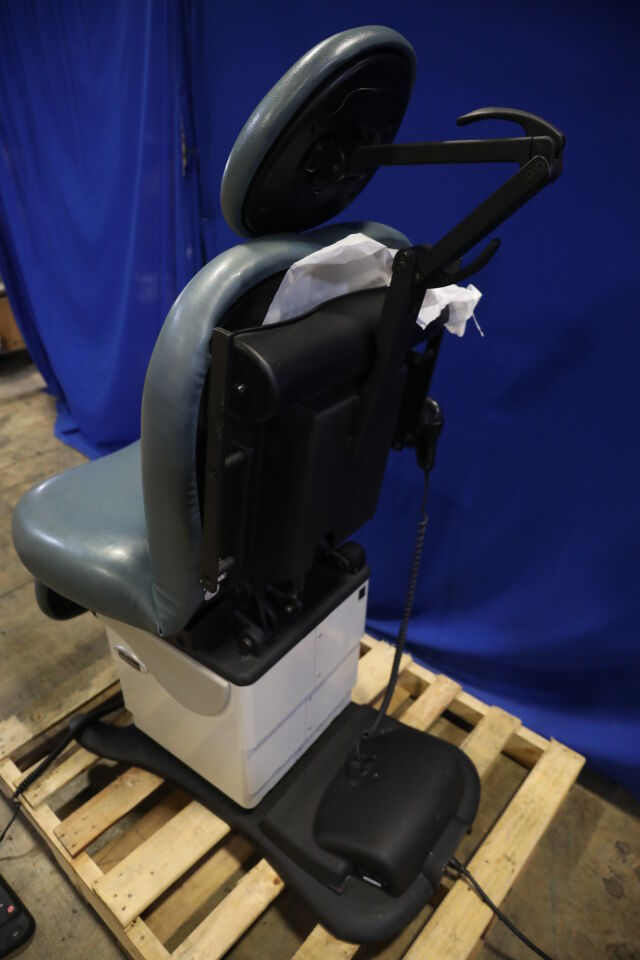 MIDMARK 630-004 Exam Chair