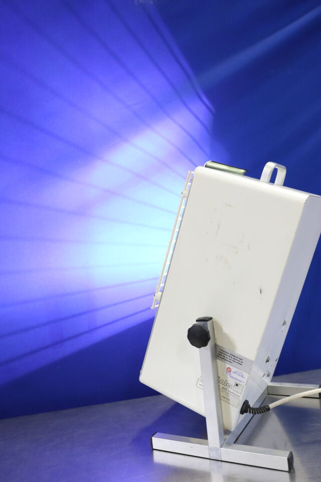 DR HONLE DermaLight 2001 UV Light