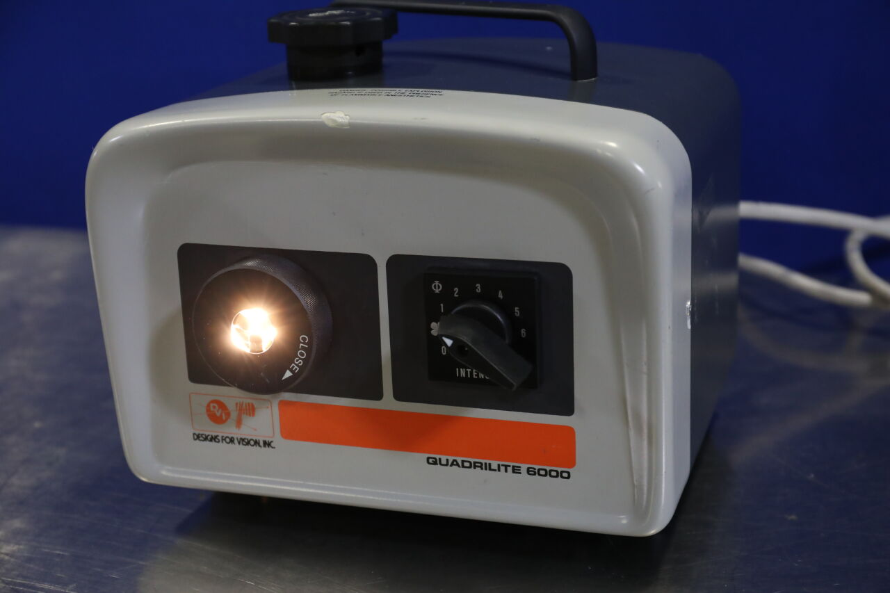 DESIGNS FOR VISION Quadrilite 6000 Light Source