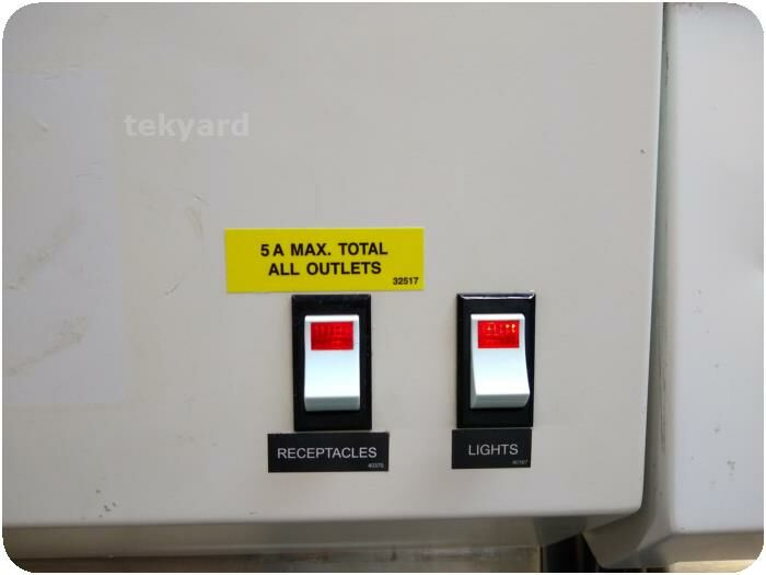THE BAKER COMPANY CS500 Biological Safety Cabinet Fume/Bio Safety Hood