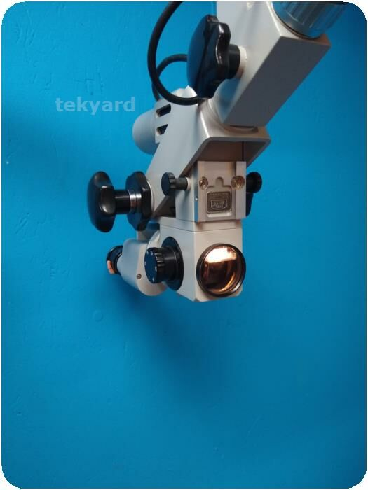 CARL ZEISS Surgical Microscope