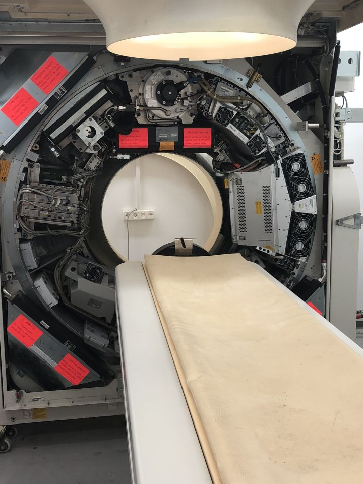 PHILIPS Mx8000 Brilliance IDT CT Scanner for sale