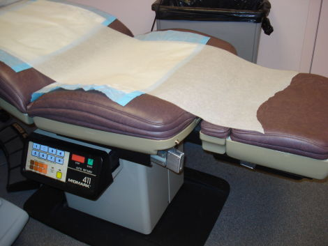 MIDMARK 411 with Footpedal Exam Chair for sale