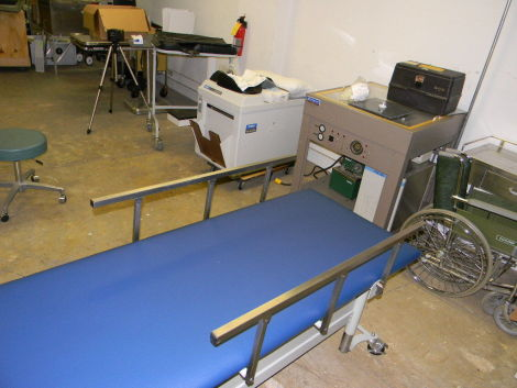 TRI W-G 810 Massage Table / Chair for sale